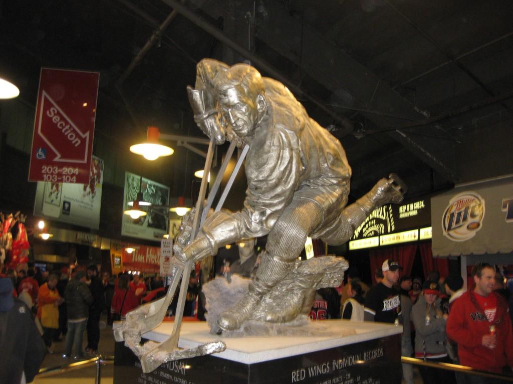 Ted Lindsay statue at Joe Louis Arena