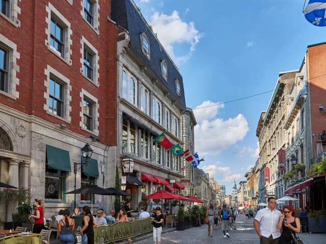 Old Montreal travel guide sports teams