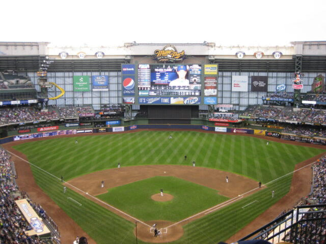 Miller Park Milwaukee Brewers where to sit at a ballpark